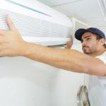 Montage einer Klimaanlage